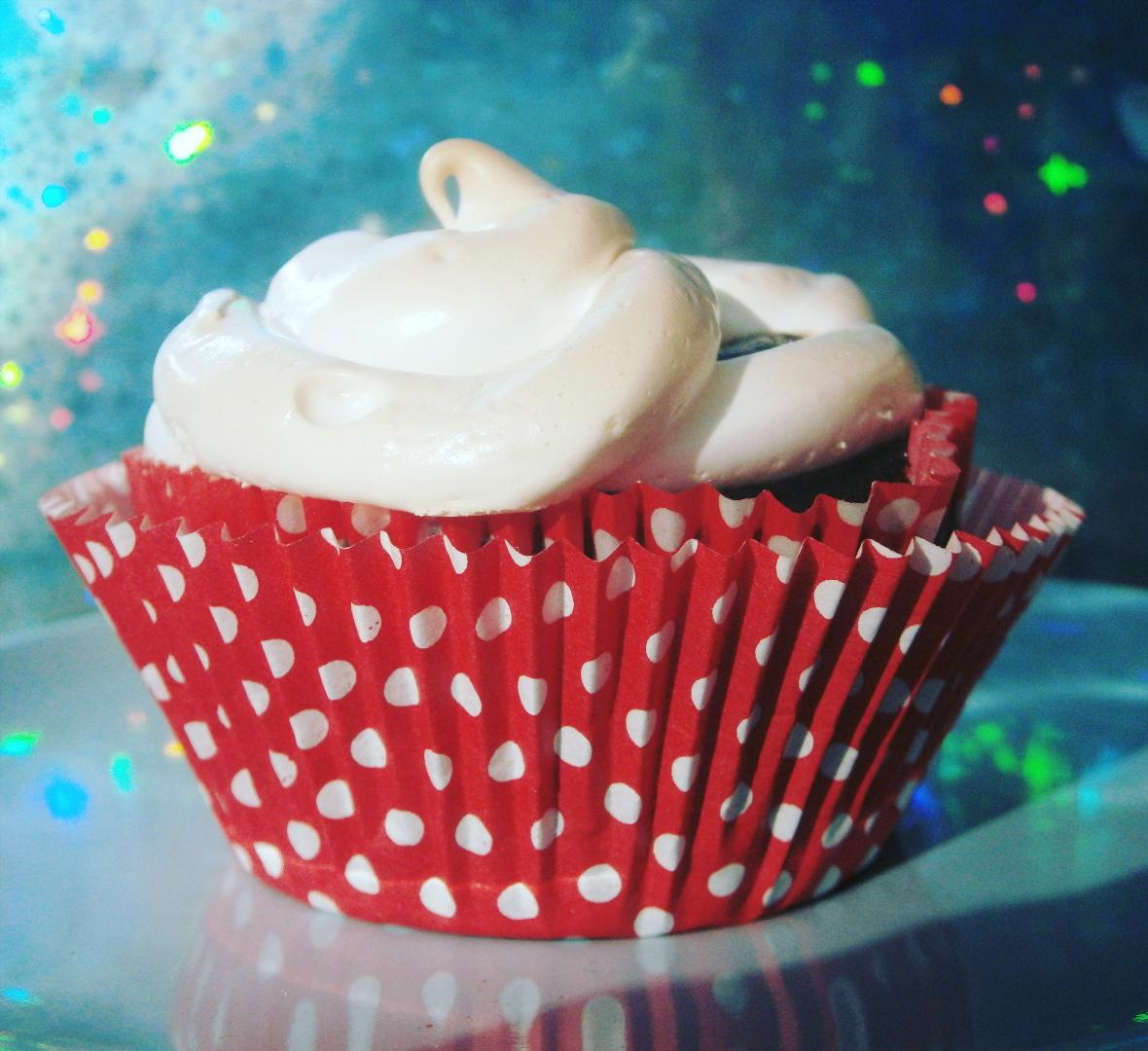 bookish cupcake